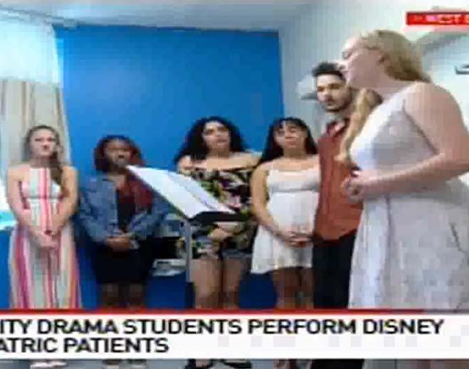 Drama-Students-Of-Lynn-University-659x519/